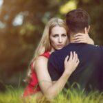 Schimb de replici între amant și soț